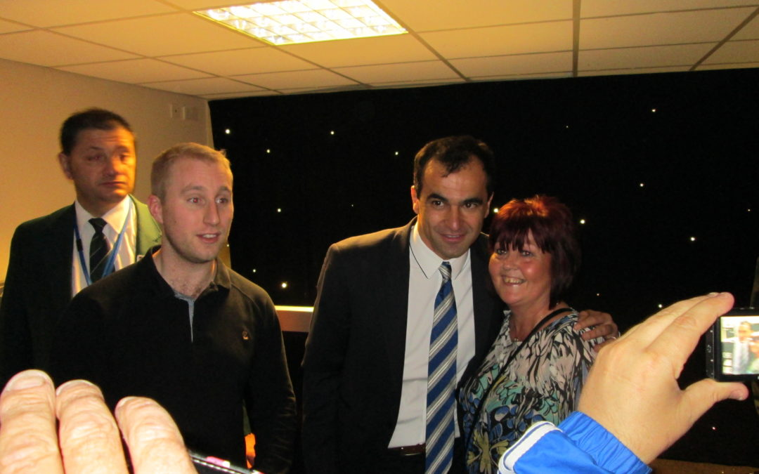Roberto personally thanks the Fans in the Wigan Athletic Supporters Club Bar