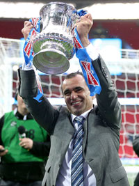 Roberto Martinez lifts the FA Cup